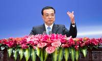 Chinese premier leaves for Singapore visit, East Asia leaders' meetings