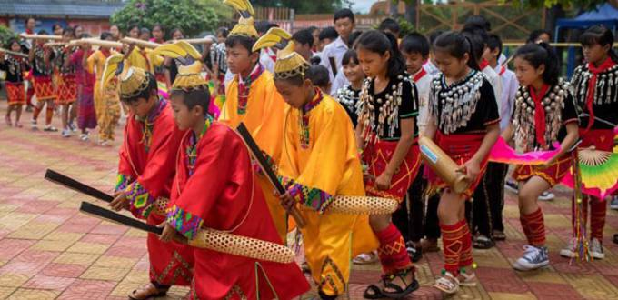Primary school teaches folk dance to pupils to promote tradition in China's Yunnan