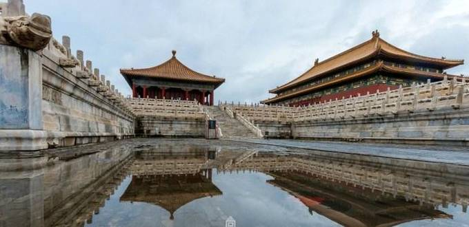Dream-like Forbidden City after the storm