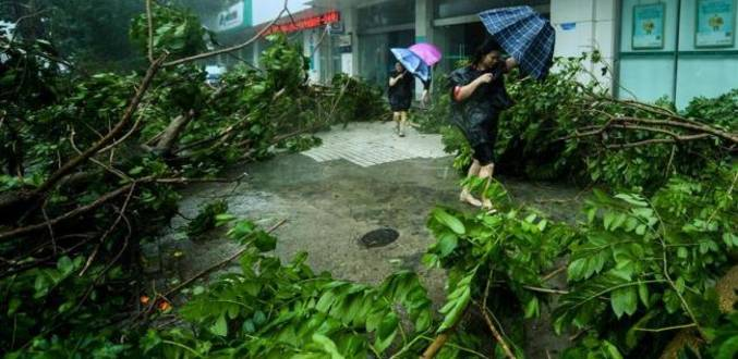 Super Typhoon Mangkhut lands on south China coast